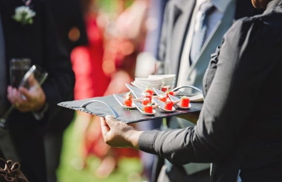 CHOOSING AN APPROPRIATE MENU FOR YOUR NEXT EVENT