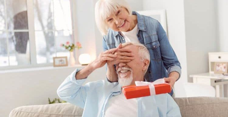4 Challenges Elderly People Living Alone Struggle With