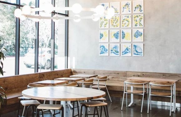 3 Reasons Why You Should Opt For Custom Furniture for your Restaurant