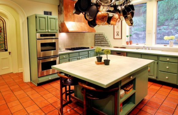 Four ways to save cost on kitchen cabinets