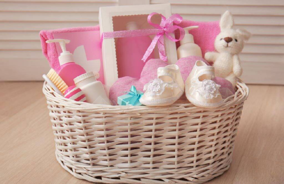 Some interesting ideas that act as ideal baby gift hampers