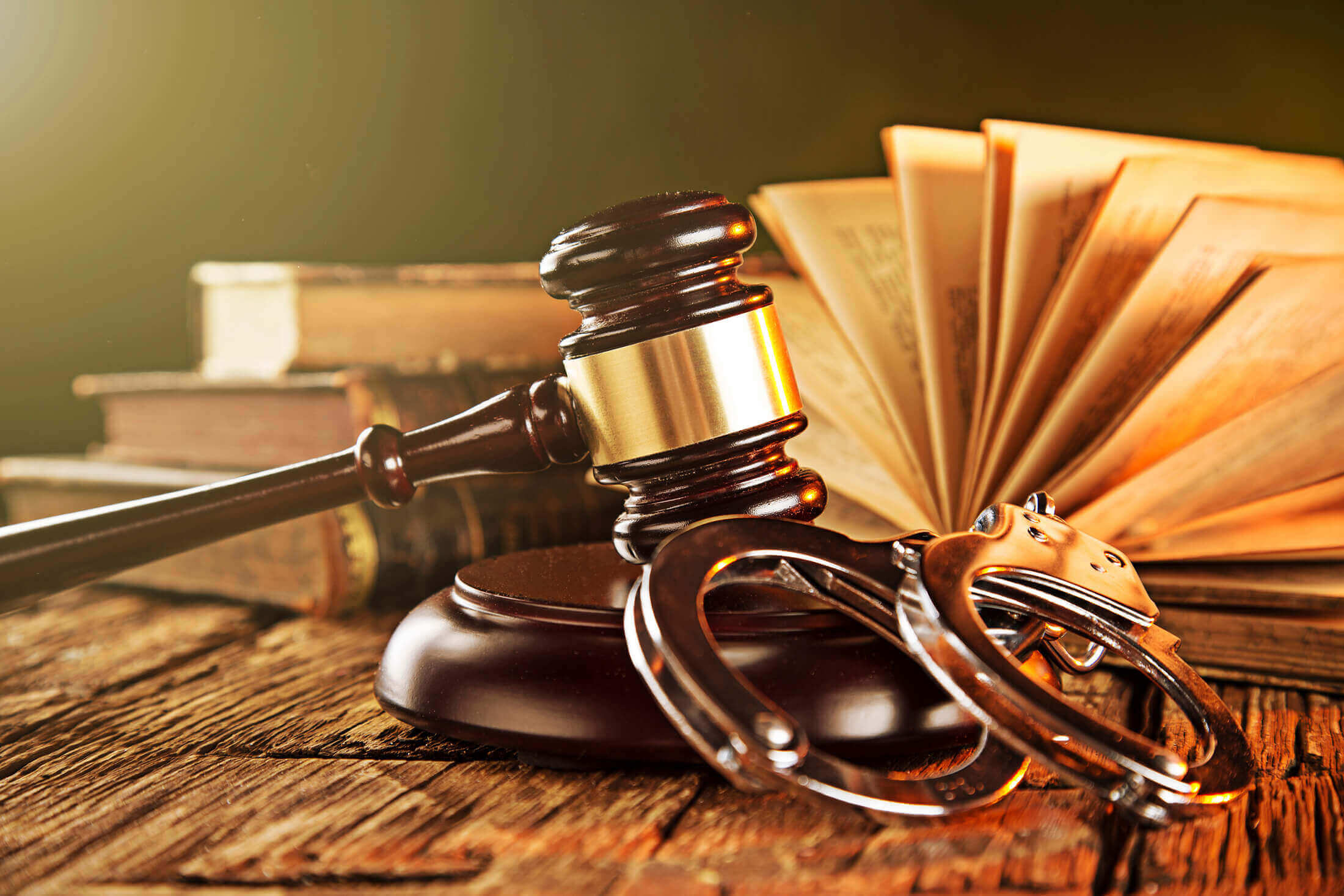 Reasons Why You Should Consider Hiring A Criminal Lawyer