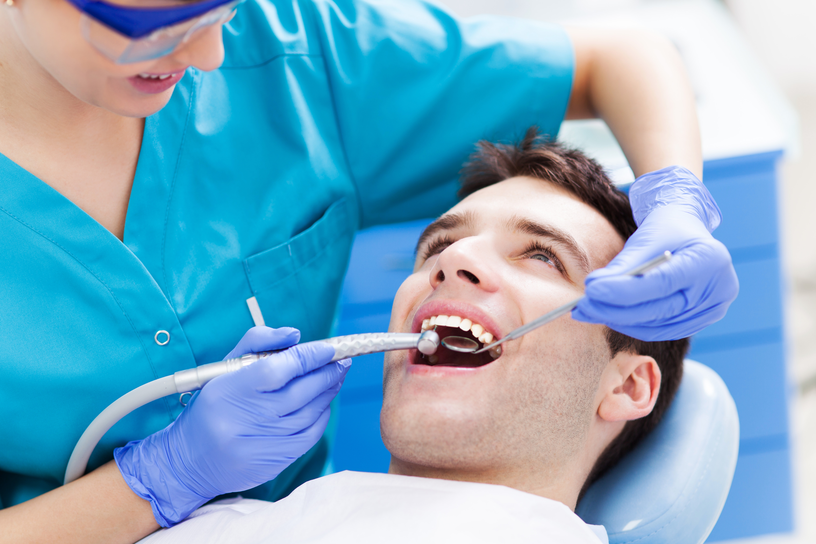 What Conditions Does an Emergency Dentist Handle?